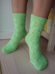 Lady Green Sway on tip-toes