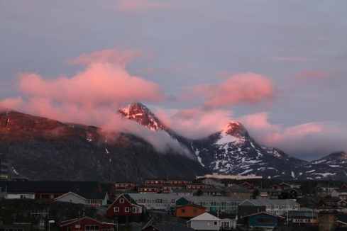 Hjortetakken (Antler point) in the red light of 11.45 pm